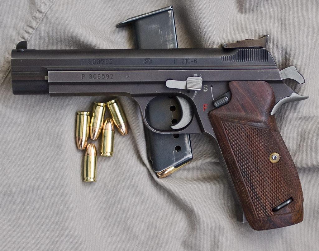 pistolet sig p210