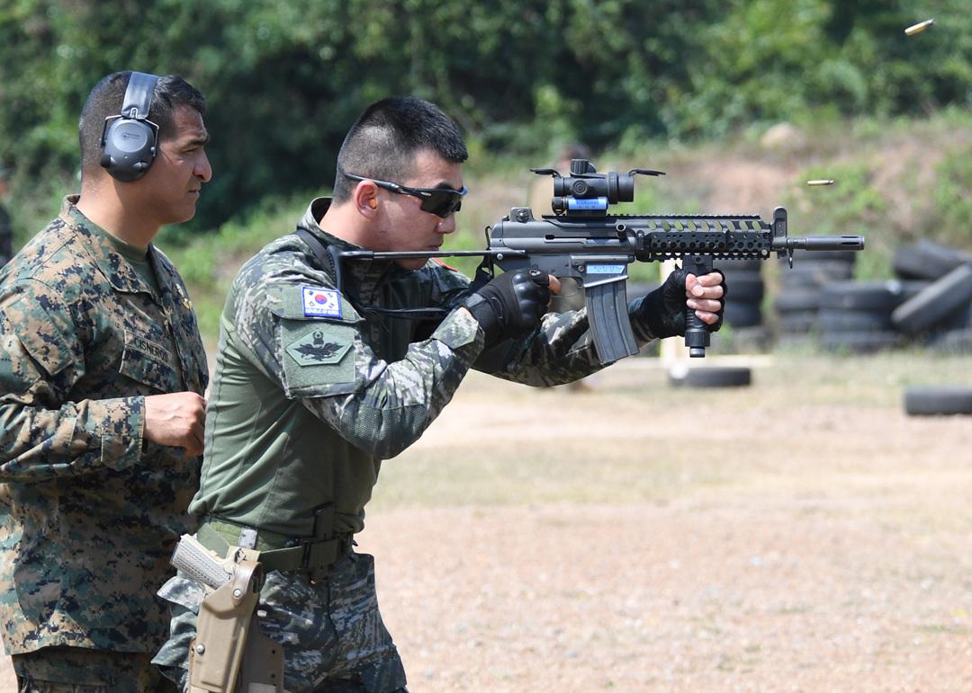 Daewoo K1 marine