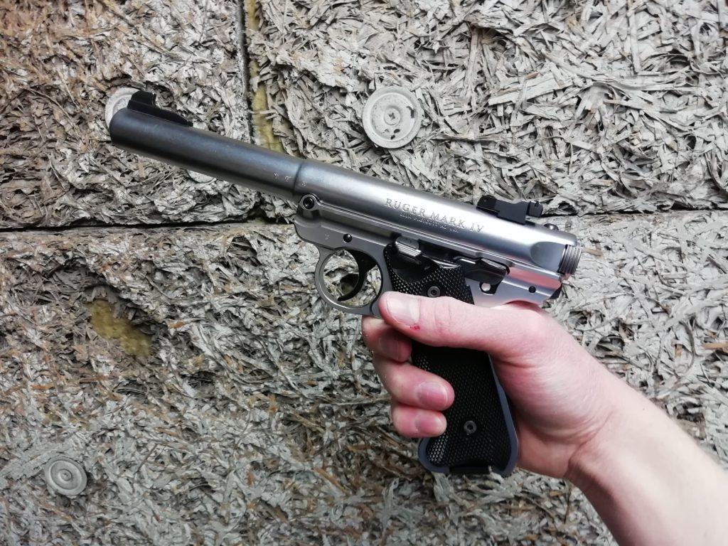 Ruger Mark 4 en main
