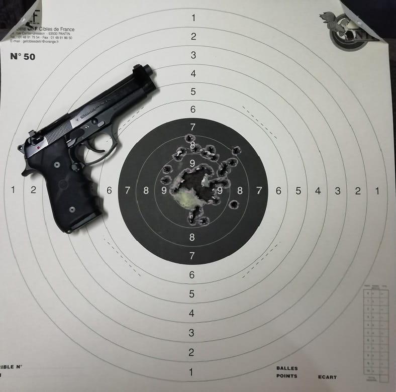 Beretta 92 en cible